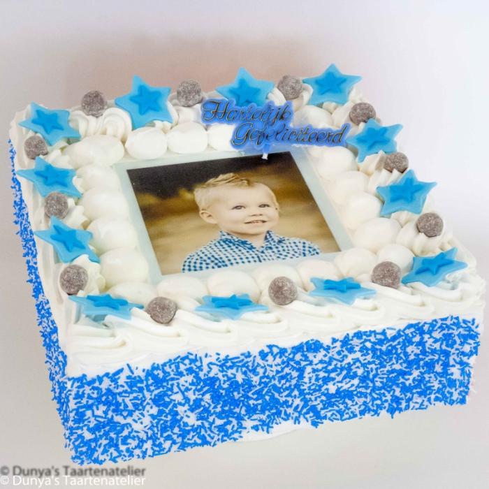 Basis Dunya Slagroom Taarten met afbeelding, foto of logoSlagroomtaart met foto en blauwe feestdeco