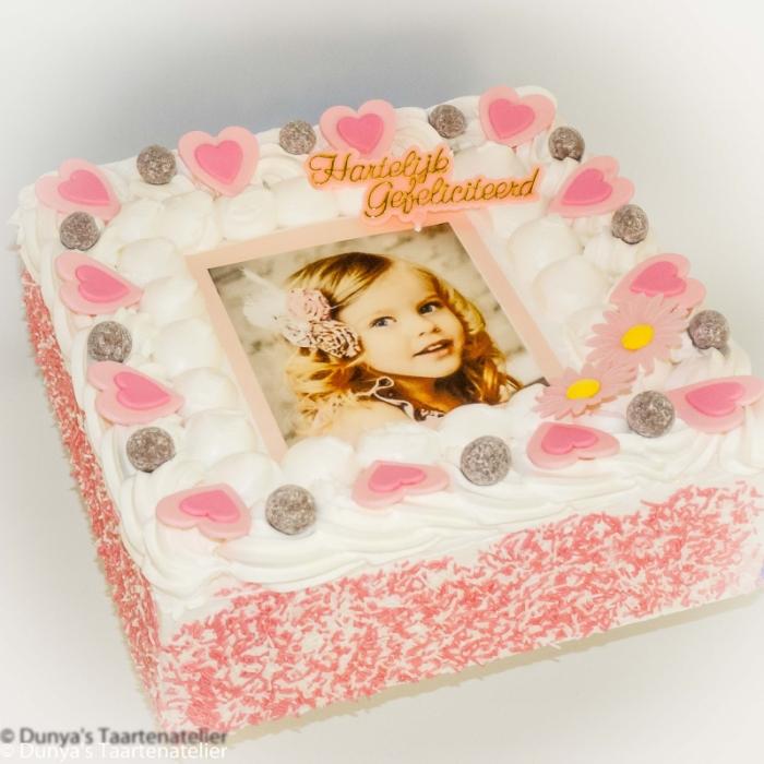 Basis Dunya Slagroom Taarten met afbeelding, foto of logoSlagroomtaart met foto en roze feestdeco