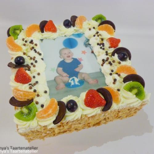 Slagroomtaart met afbeelding (met fruit decor)