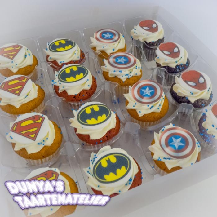 Kleine Cupcakes met afbeelding - foto - logo Kleine Cupcakes - Superheroes