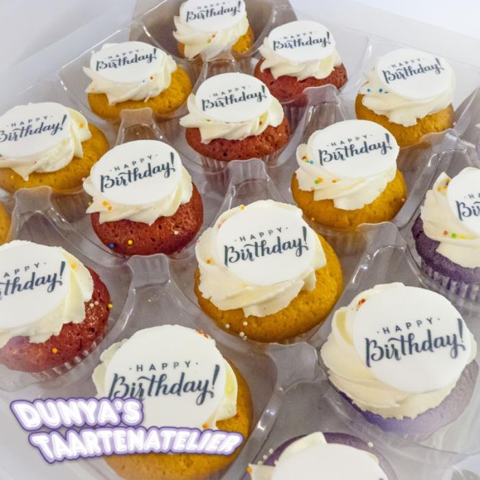 Kleine Cupcakes met afbeelding - foto - logo Kleine Cupcakes - Happy Birthday