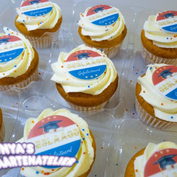 Kleine Cupcakes met afbeelding - foto - logo Kleine Cupcakes - Geslaagd