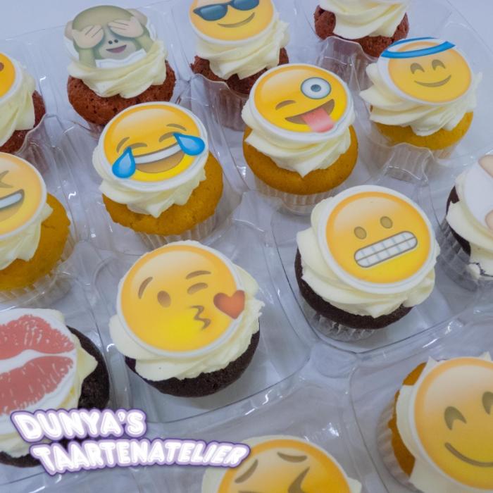 Kleine Cupcakes met afbeelding - foto - logo Kleine Cupcakes - Smiley