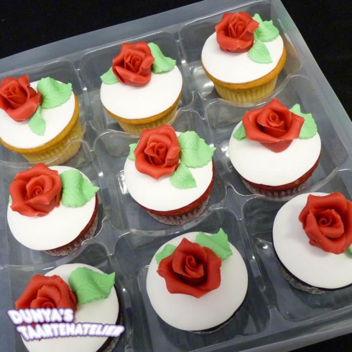 Grote Cupcakes met RoosCupcake met Rode Roos