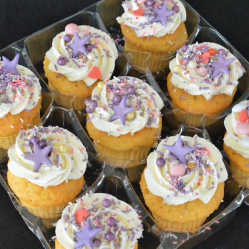 CELEBRATION CUPCAKES (9 kleine cupcakes)