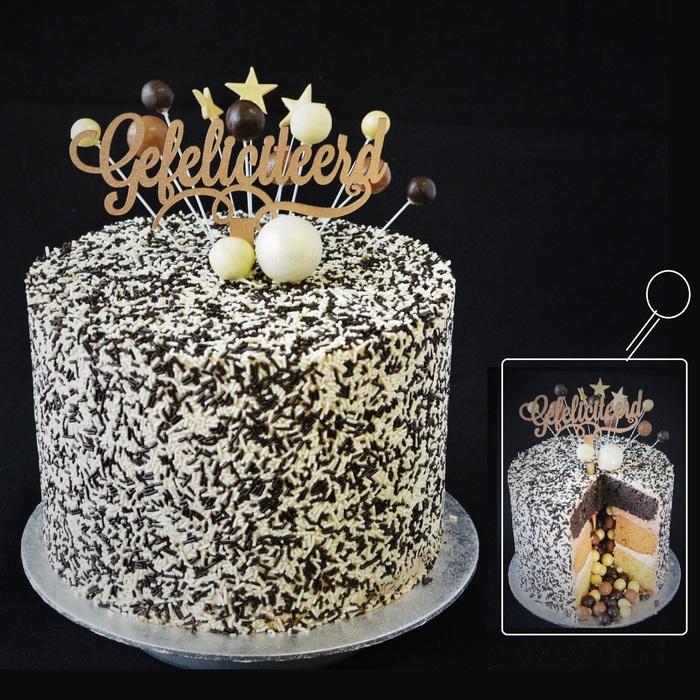 CELEBRATION  PINÃTA CAKECELEBRATION CHOCOLATE PINÂTA CAKE