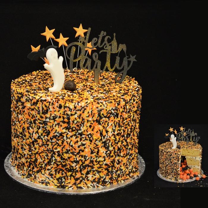 CELEBRATION  PINÃTA CAKECELEBRATION HALLOWEEN PINATA CAKE